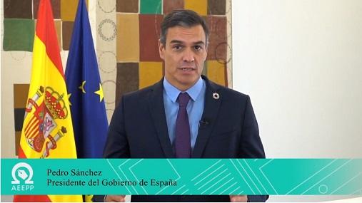 Pedro Sánchez insta a los editores de medios a presentar proyectos de reconversión que pongan énfasis en la digitalización y la sostenibilidad.