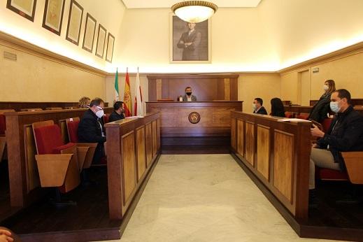 Los alcaldes y alcaldesas de la comarca muestran su preocupación por la situación sanitaria del Hospital Alto Guadalquivir de Andújar.