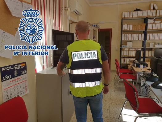 La Policía Nacional detiene a dos personas que estafaron a una empresa de Jaén.