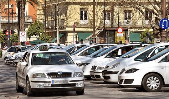 El Consejo Andaluz del Taxi ha aprobado esta semana el proyecto de decreto de modernización del Taxi.