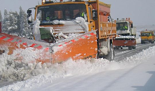 Más de 400 operarios cuidarán del estado de las carreteras de Andalucía frente a las nevadas.