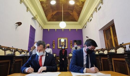 Juan Marín resalta el valor del Plan Turístico de Jaén para impulsar la excelencia del destino.