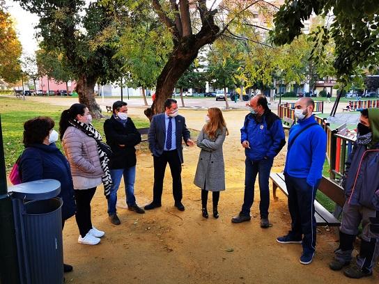 Pedro Bruno visita en Andújar el taller de formación en jardinería urbana que está llevando a cabo la Diputación.