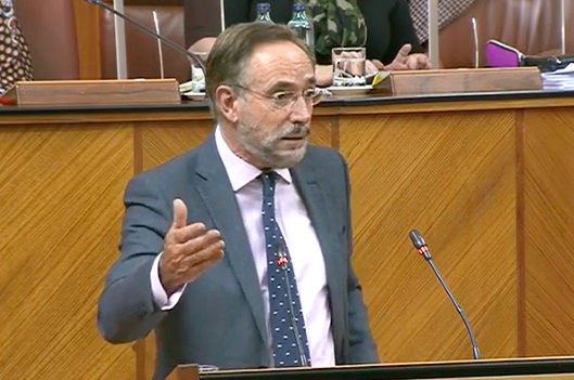 El PSOE critica que la Junta se niegue a subir el precio/hora a las trabajadoras del servicio de ayuda a domicilio.