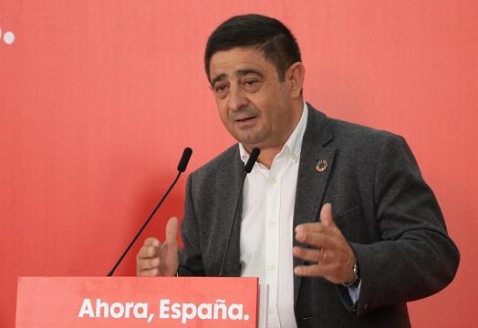 """Reyes valora el papel de la Constitución para """"la consolidación de la democracia y la modernización de nuestros pueblos""""."""