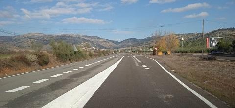 La Diputación mejora la señalización horizontal de 135 kilómetros de la Red Viaria Provincial.