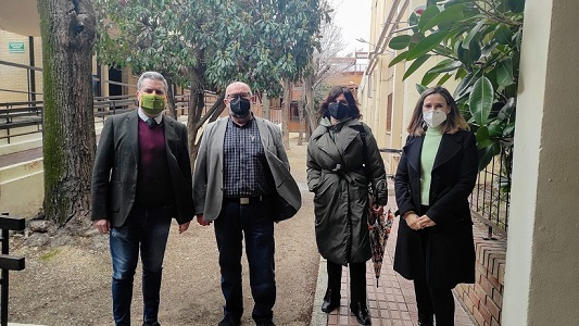 El delegado de Educación afronta el proceso de escolarización con los directores de Jaén.