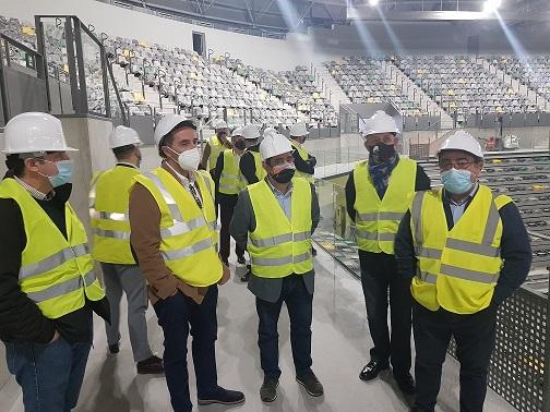 Empresarios de la cultura y responsables de federaciones deportivas conocen las características del Olivo Arena.