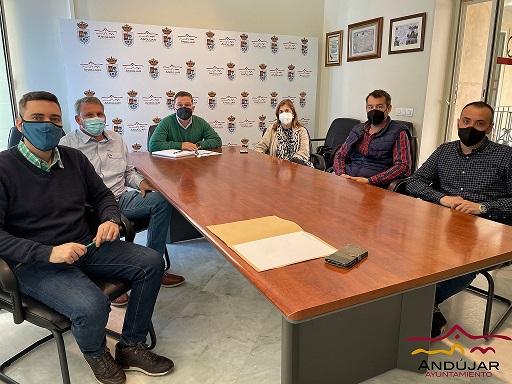 El alcalde traslada el apoyo y defensa del Ayuntamiento de Andújar al proyecto de edificación de una nueva comisaría de Policía Nacional.