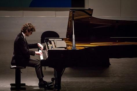 """Seis pianistas de cinco países competirán hasta el jueves para llegar a la final del 62º Premio """"Jaén"""" de Piano."""