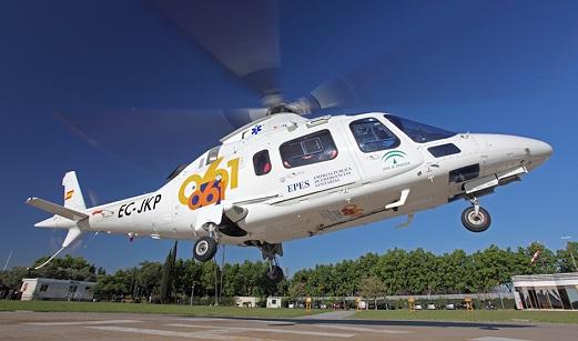Rescatado y trasladado en helicóptero un parapentista herido tras sufrir una caída en Pegalajar (Jaén).