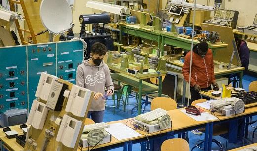 Educación impulsa la mayor oferta de la historia de la FP en Andalucía con 240 nuevos ciclos, 158 más que el curso anterior.