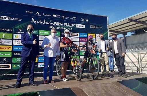 Reyes destaca el impacto promocional y el retorno económico de una competición como la Andalucía Bike Race.
