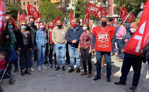 El PSOE secunda la manifestación del 1 de Mayo en defensa de los trabajadores y la mejora de sus condiciones y derechos.