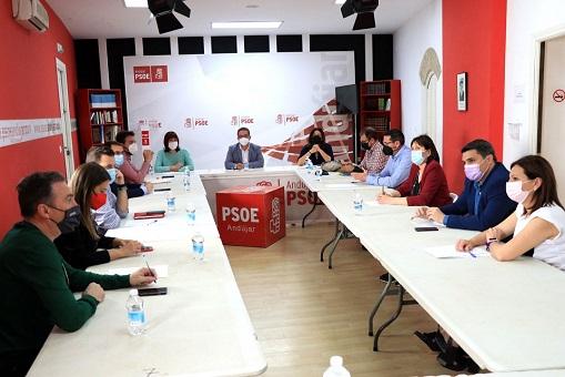 El PSOE pide a la Junta y al Gobierno una apuesta por la reindustrialización de la N-IV.