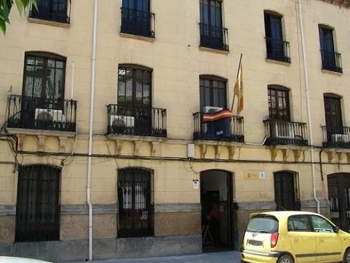 La Policía Nacional detiene en Andújar a dos personas que agredieron a un policía y amenazaron al director de un banco.