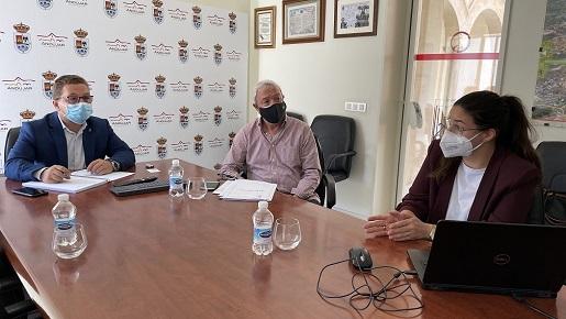 Reunión con la empresa ENCE para abordar la construcción de una planta solar fotovoltaica en Andújar.