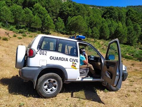 La Guardia Civil auxilia a dos senderistas, los cuales habían sufrido accidentes de carácter leve.