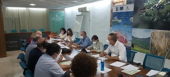 Agricultura impulsa el oleoturismo para hacer más sostenible el olivar en las comarcas de Jaén.