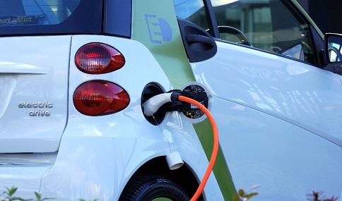 Ayudas de hasta 7.000 euros para la compra de un vehículo eléctrico a través del Plan MOVES III.
