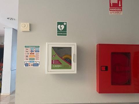 El Ayuntamiento de Andújar adquiere 7 desfibriladores para edificios municipales y espacios públicos.