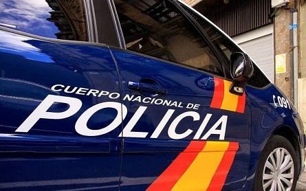 La Policía Nacional detiene en Jaén a tres jóvenes por agredir y robar a un hombre.