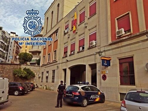 La Policía Nacional detiene en Jaén a una mujer y su hijo que robaron a un hombre al que cuidaban.