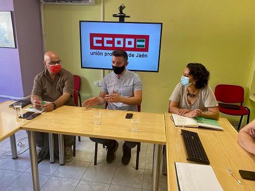 El PSOE pide a la Junta la subida progresiva a 18 euros/hora a las trabajadoras de ayuda a domicilio.