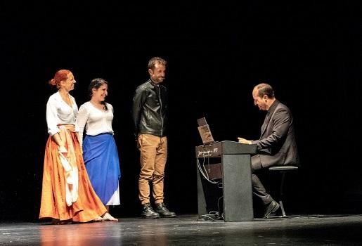 Intactos Teatro cierra temporada con 'Te quiero lorquiana' en el balneario de Marmolejo.