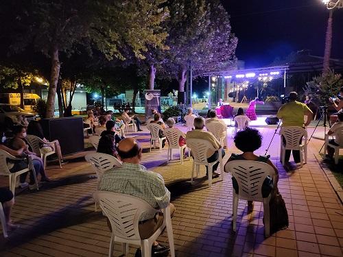 """""""Las Noches de Marmolejo"""" llegan a su punto álgido con la celebración de varios espectáculos teatrales y musicales al aire libre."""