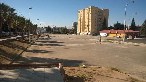 La Junta inicia en un mes la reforma de la plaza Tirso de Molina de Arrayanes, en Linares.