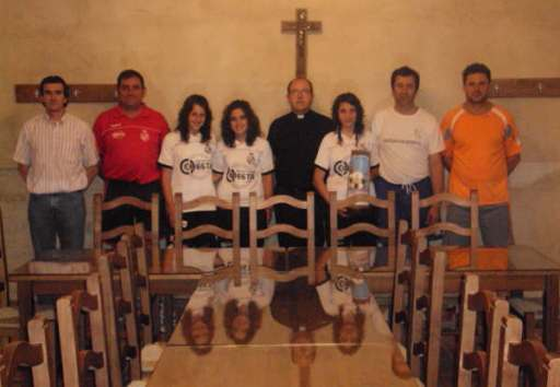 Fotos_futbol_femenino_entrega_de_mobiliario_a_san_martin_2009_005
