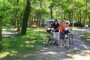 Cyclistes au camping l'Art de vivre