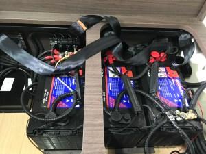 キャンピングカーのバッテリー交換 電圧・残量・充電時間の目安