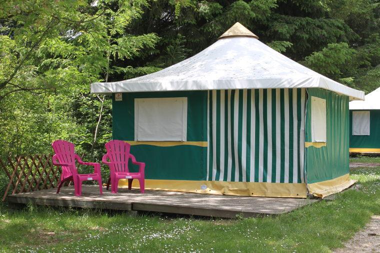 Merveilleux Camping 3* Avec Piscine Chauffée, Bord De Rivière Ardèche Verte, En ...