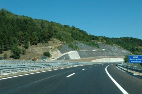 Neue Autobahn in Süd-Serbien bei Dimitovgrad