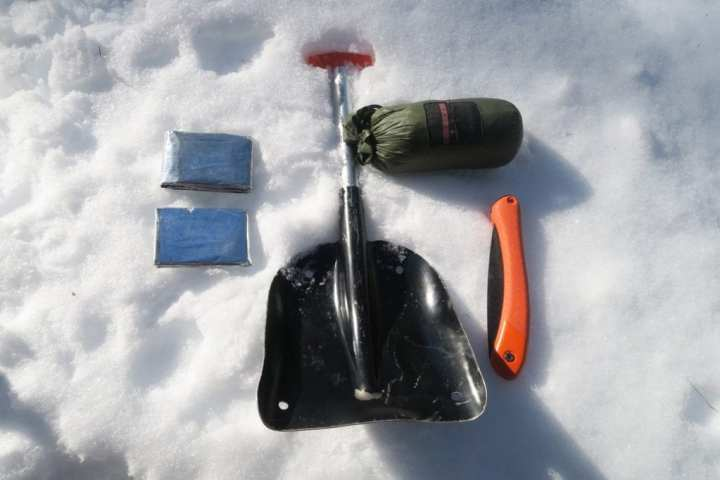 How to Build an Emergency Snow Trench Shelter 3