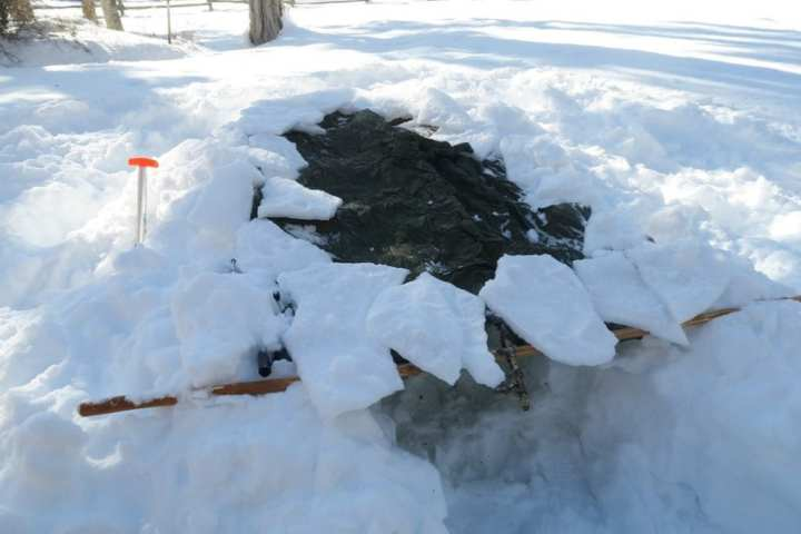 How to Build an Emergency Snow Trench Shelter 7