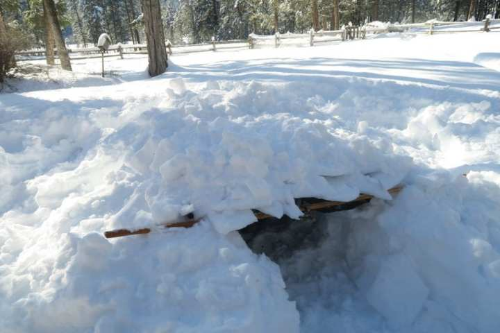 How to Build an Emergency Snow Trench Shelter 9