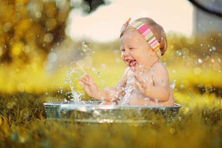Prevent baby overheating when camping 1