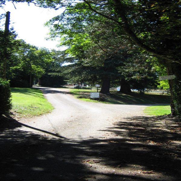 Lacomte entrance road (2)