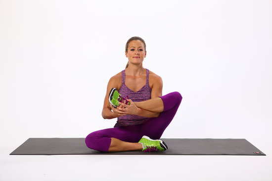 glute_stretch_seated_leg_cradle