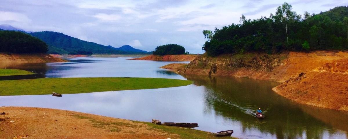Hoa Trung Lake in Da Nang