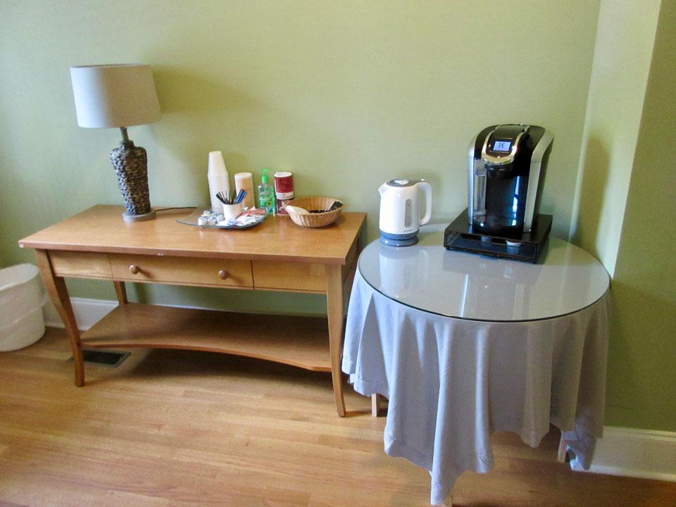 Camp Oak Hill Guest House Coffee Bar
