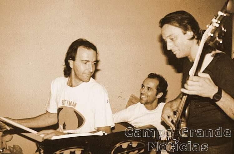 Ensaio com os músicos Peninha, Carlinhos Niehues e Arnou de Melo – Foto: Arquivo Pessoal/Louise Lucena)