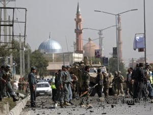 Atentado a bomba ocorrido na tarde deste domingo (11/10) em Cabul, capital do Afeganistão, causou a morte de uma pessoa, e deixou outras três feridas – Foto: Ahmad Massod/Reuters