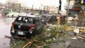 O Tufão Nepartak provocou sérios danos em Taitung, em Taiwan, nesta sexta-feira (08/07) – Foto: EBC/AP