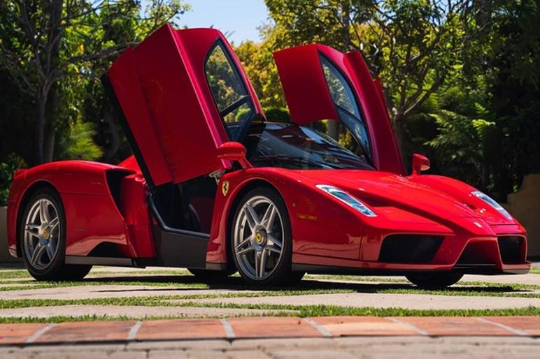 Ferrari Enzo recordista em leilão online foi vendida por 2,3 milhões de euros (Foto: Divulgação)