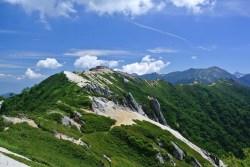 燕山荘を望む景色