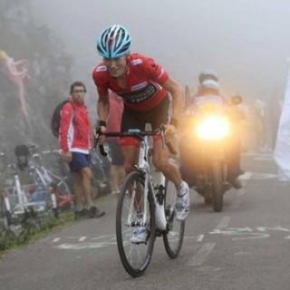 """2013 ブエルダ・エスパーニャ(スペインで行われる国際的な自転車レース)の一つの目玉""""魔の山""""アングリル"""